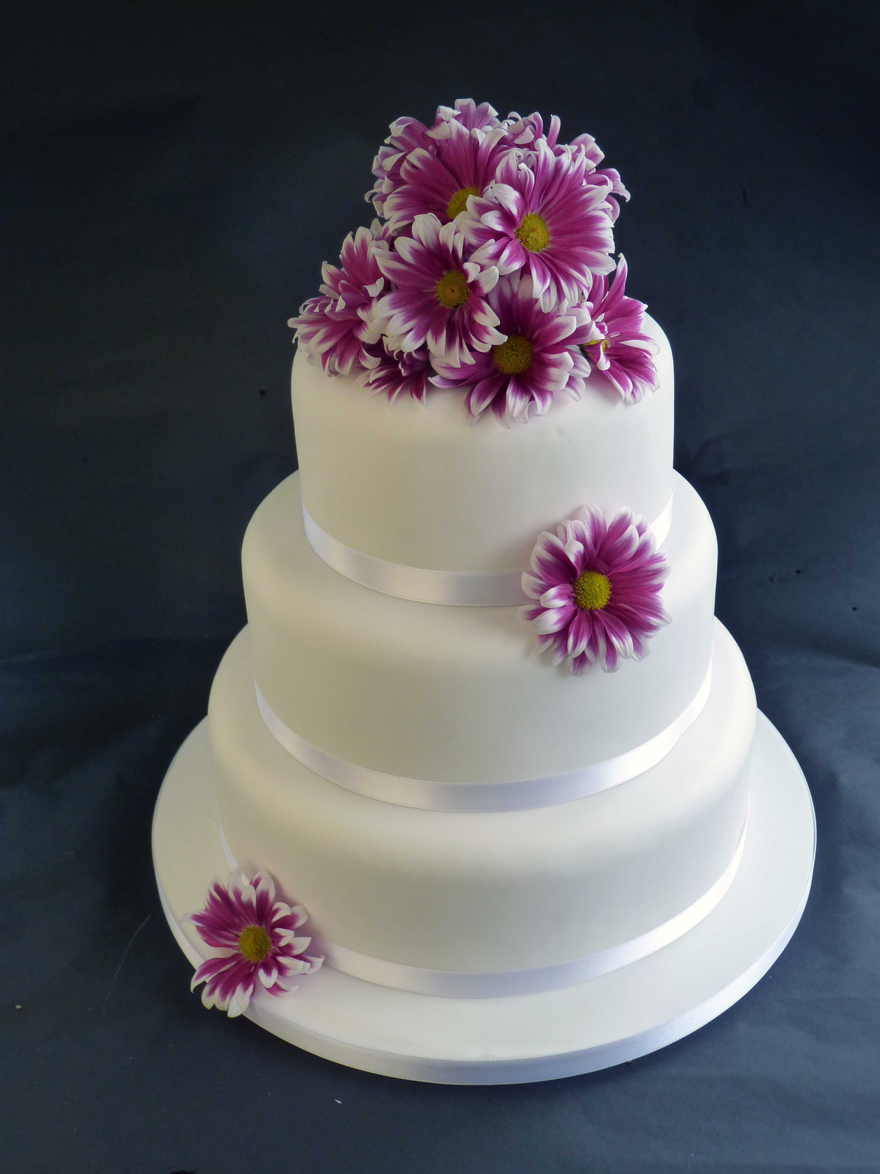 Three tier Wedding Cakes Related Keywords & Suggestions